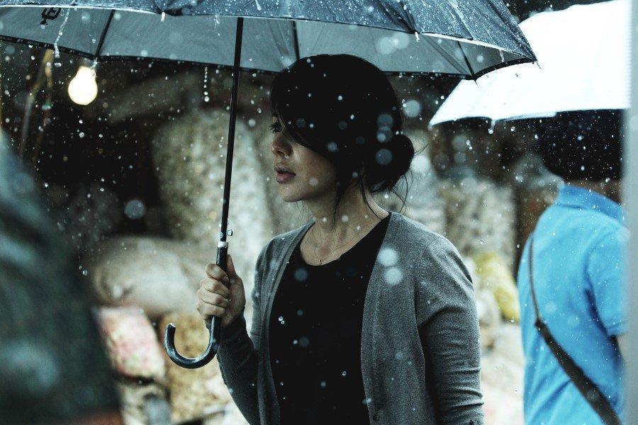 Đã 15 năm trôi qua nhưng Ha Kyung vẫn luôn đau khổ và dằn vặt về cái chết của con gái mình.