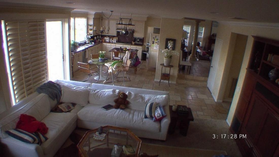Hàng loạt hiện tượng kỳ lạ xuất hiện khi cả nhà đi vắng