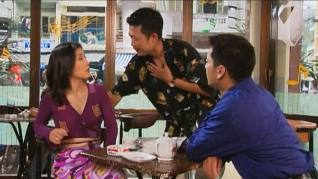Anh chàng Việt kiều Huy, làm thợ chụp hình, về Việt Nam để cưới vợ