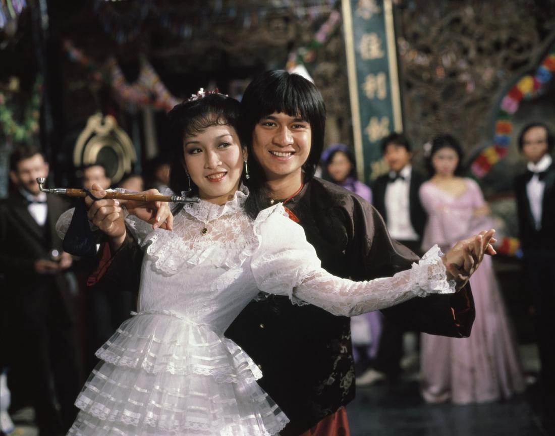 Trương Đức Thái sánh đôi với Judy - cô gái xinh đẹp mà anh từng cứu giúp.