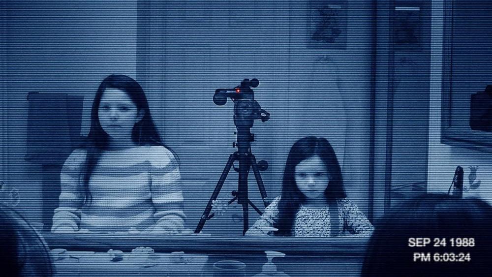 Katie và người chị gái Kristi lại bị ám ảnh trong nhiều năm liền