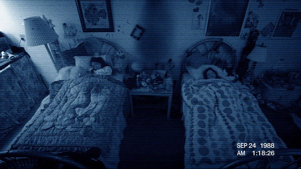 Ác quỷ vô hình tồn tại trong nhà từ khi hai cô bé còn nhỏ