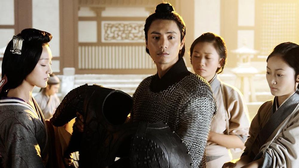 Vương Sinh cứu sống và mang Tiểu Vi về cưu mang