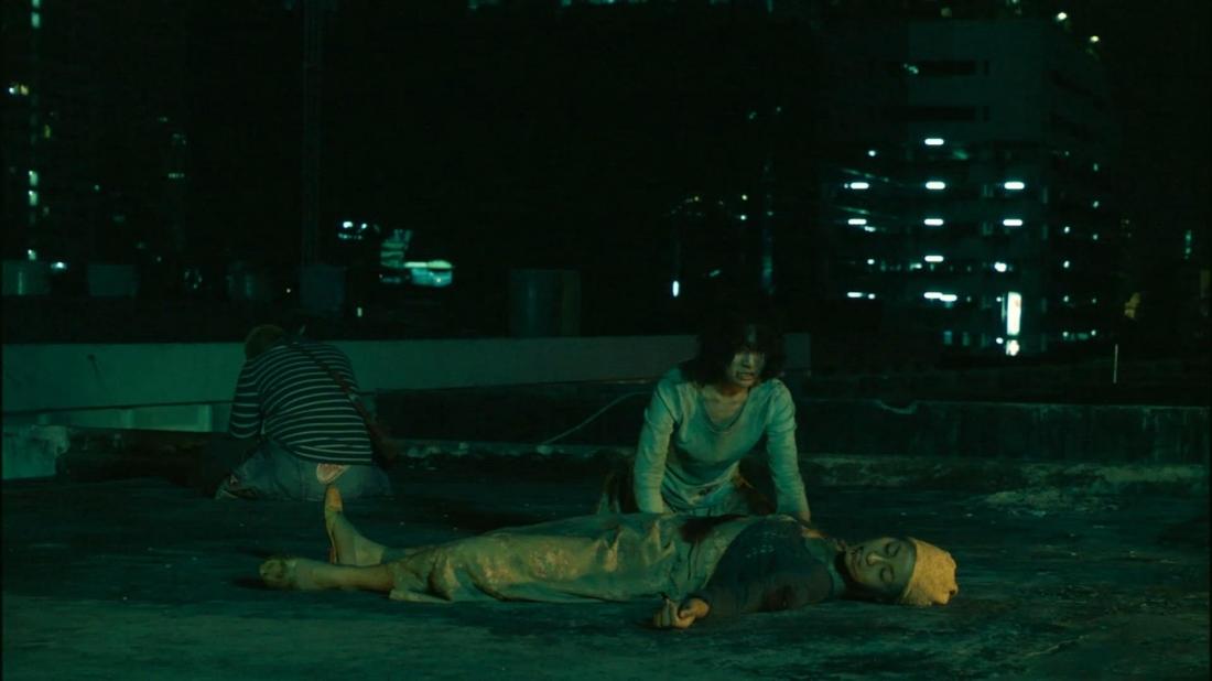 Zen đã vào hang ổ của bọn xã hội đen và trổ hết công phu để cứu mẹ.