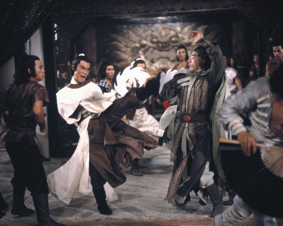 Bối Hải Thạch đối đầu với Tạ Yên Khách.