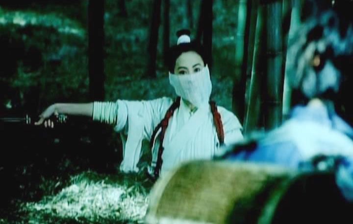 Không thể nhìn người mình yêu chết dưới tay tên sát thủ kia, Hắc Phụng quyết tìm diệt Nhất Địa Kê Mao trước khi hắn ra tay.
