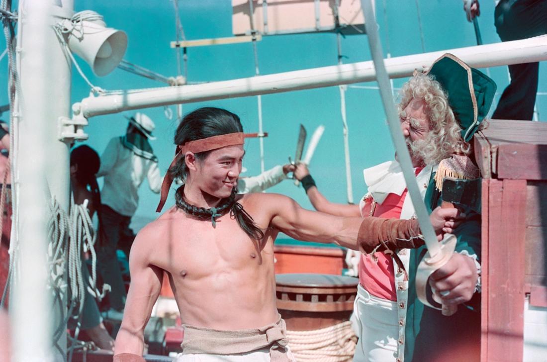 Trương Bảo Tử tuy là cướp biển nhưng hành hiệp trượng nghĩa.