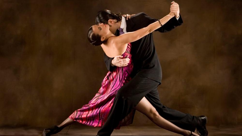 Tuy nhiên đối với những người mới làm quen với bộ môn này thì các việc làm sao để nhanh chóng làm quen và nhịp nhàng hơn trong các bước nhảy được xem lại không đơn giản.