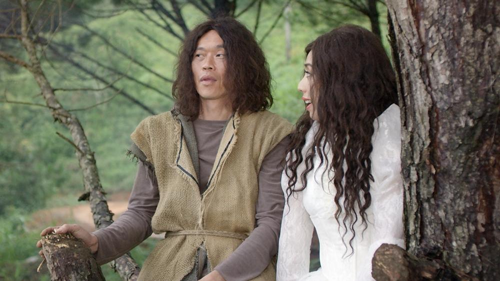 ''Người rừng'' đem lòng yêu cô nàng tiểu thư đỏng đảnh