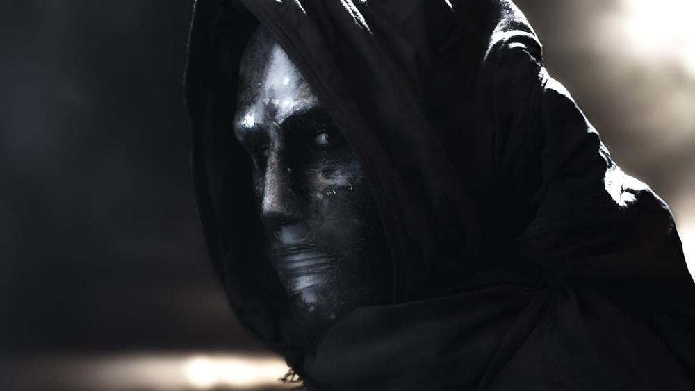 Khi trở lại và mang trong mình siêu năng lực, bộ tứ buộc phải học cách phối hợp để cứu Trái Đất khỏi kẻ thù hung ác Victor Domashev.