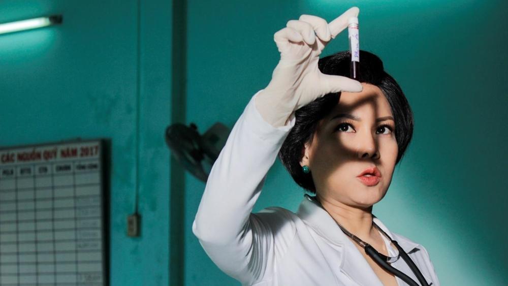 Một phân cảnh khác với sự góp mặt của diễn viên hài nổi tiếng Việt Hương