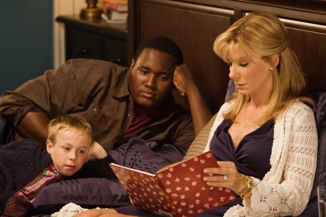 Sự có mặt của Michael trong gia đình nhà Tuohy cũng giúp họ gần gũi, hiểu về nhau nhiều hơn.