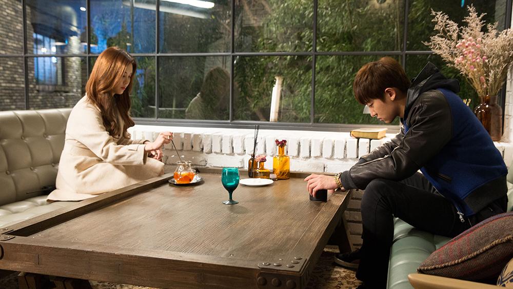 Chuyện tình của một ngôi sao nổi tiếng (Chanyeol) với cô phóng viên cá tính (Viên San San).