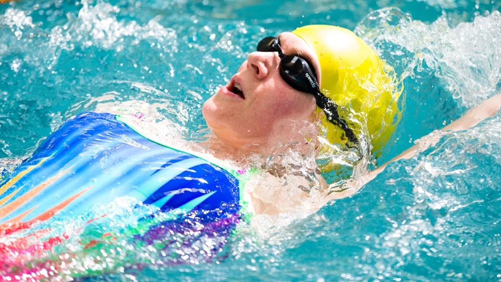 Nhiều nghiên cứu cho thấy các bài tập dưới nước giúp bạn có được thăng bằng tốt hơn và đem lại lợi ích tốt cho cơ thể gấp tới 15 lần khi tập trên cạn.