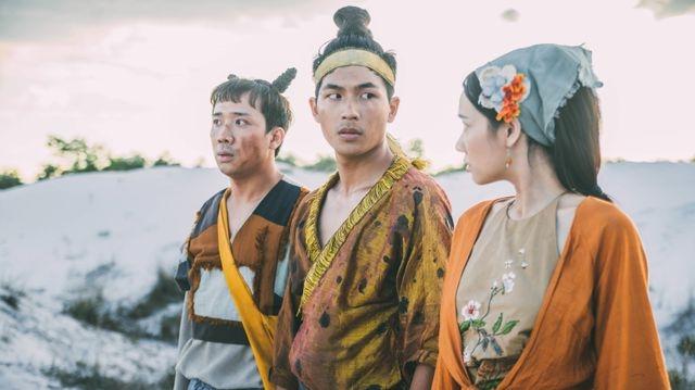 """Bộ phim ''Trạng Quỳnh'' kể về hành trình giải cứu người thầy của Trạng Quỳnh cùng """"đồng bọn"""" là cô gái xinh đẹp Điềm và anh bạn tinh quái Xẩm."""