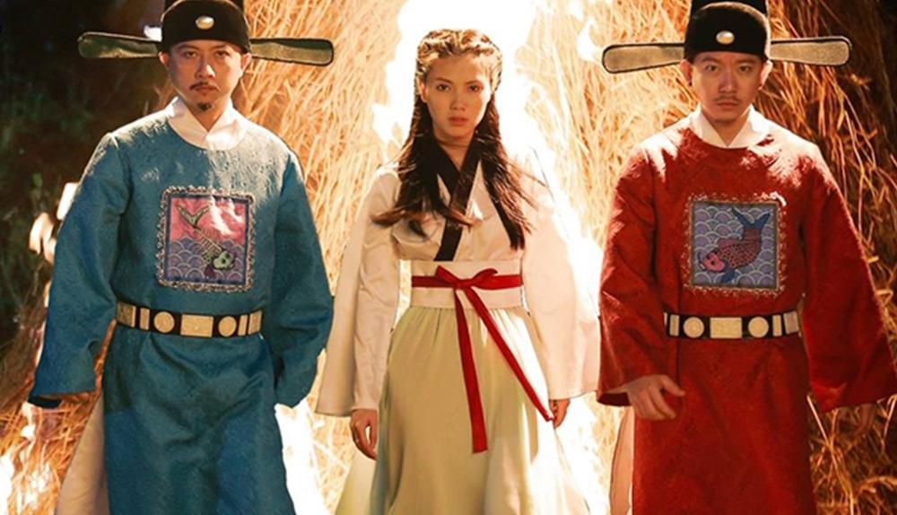 Bộ phim ''Táo Quậy'' xoay quanh câu chuyện Táo quậy (Hứa Minh Đạt), vị thần cai quản bếp nhà Minh (Pom), một cậu thiếu gia ăn chơi trác táng.
