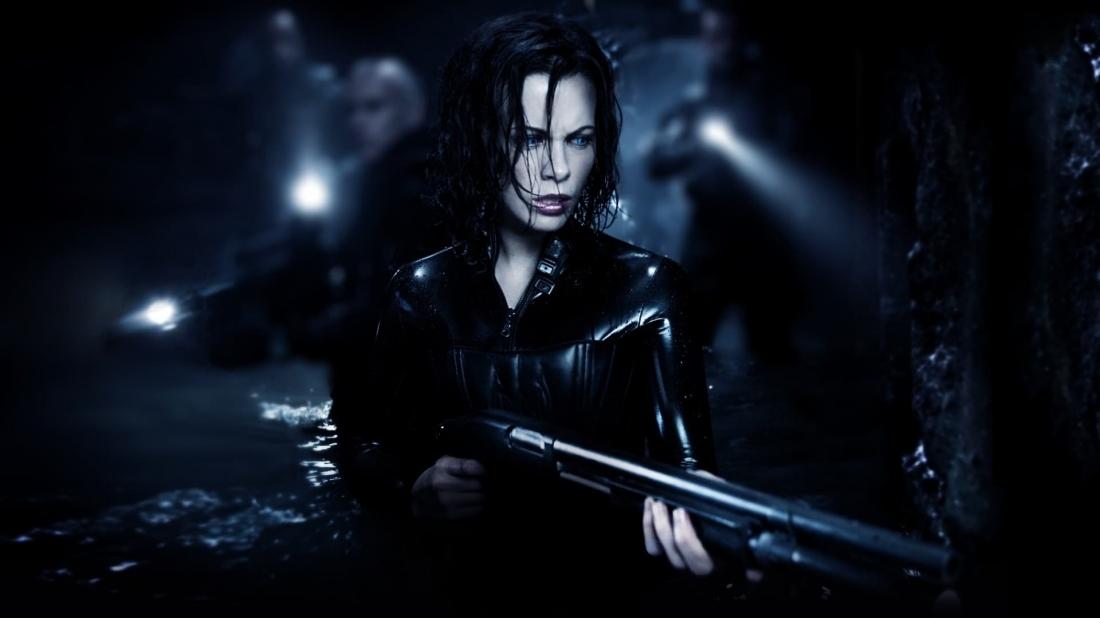 Phần tiếp theo của bộ phim ''Underworld'' này tiếp tục nói về cuộc chiến tranh giữa Death Dealers (Ma cà rồng) và Lycans (Người sói) với thời gian là khi bắt đầu mối thù truyền kiếp đó.