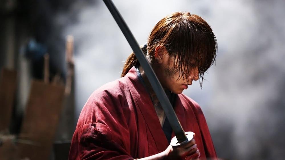 Kenshin đã bắt đầu cuộc sống mới của mình cùng Kaoru cùng những người bạn khác.