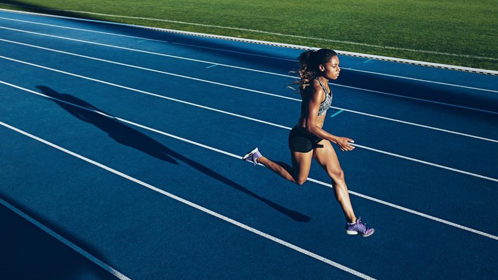 Thay đổi tốc độ chạy để thúc đẩy việc luyện tập.