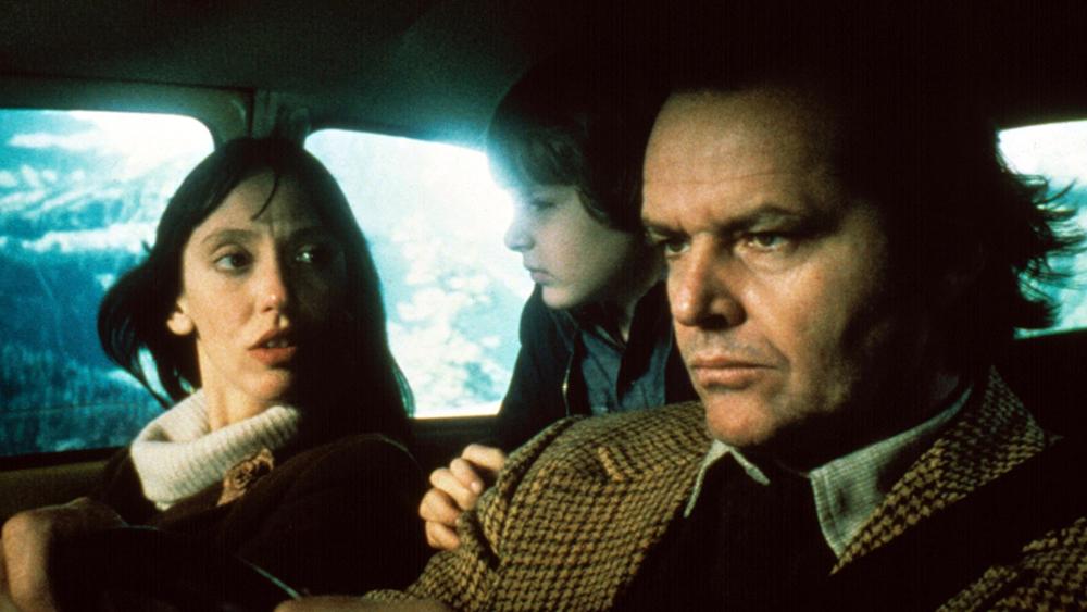 Gia đình của Torrance bị kẹt ở khách sạn trong một thời gian dài