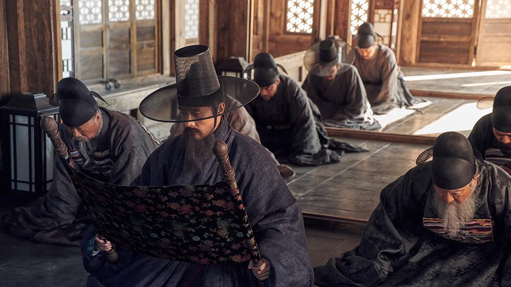 Quân tướng phải ẩn náu ở Pháo đài núi Nam Hán