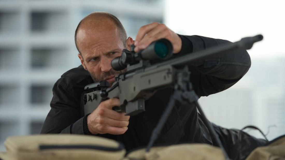 Sát thủ nguy hiểm Arthur Bishop (Jason Statham) muốn gác lại quá khứ của mình và bắt đầu một cuộc sống mới.