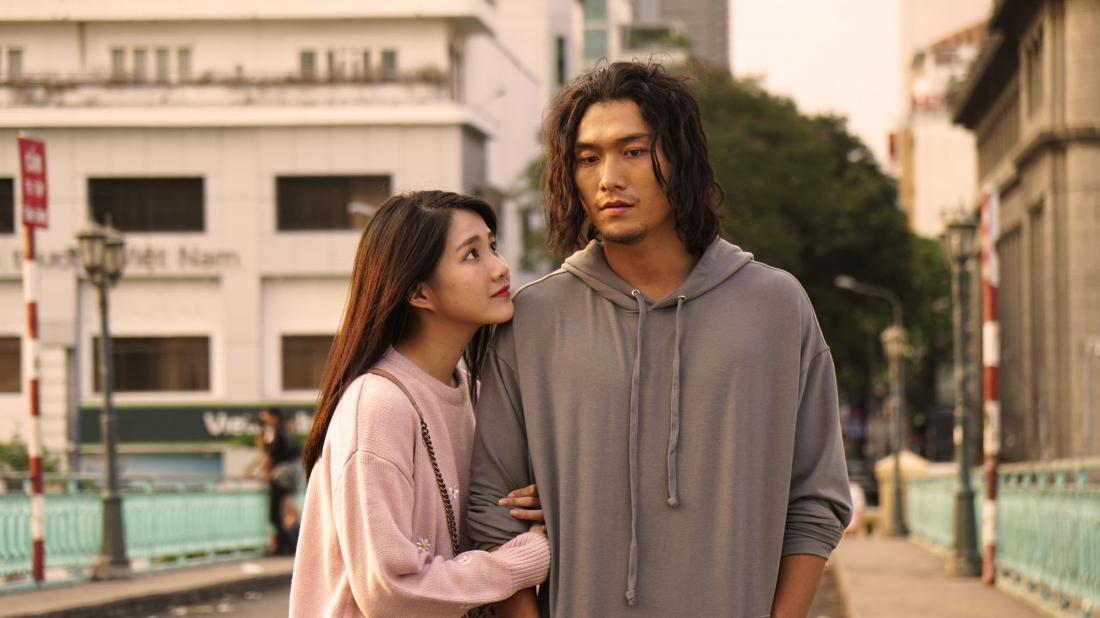 Trong lần đầu gặp gỡ không mấy suôn sẻ, Tuệ Nhi hiểu lầm Hải Sơn là kẻ cắp và có thành kiến với anh.