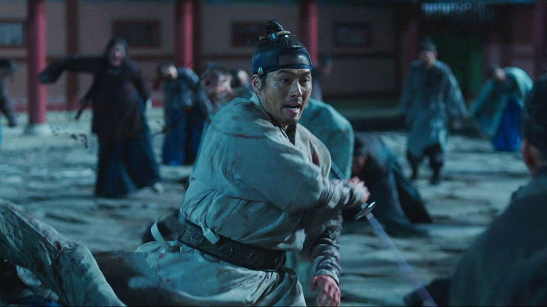 Trở về sau khoảng thời gian dài bị đày ải bởi nhà Thanh, Ngài đau lòng chứng kiến cả quê hương chìm trong một đại dịch của những ''ác quỷ bóng đêm''.