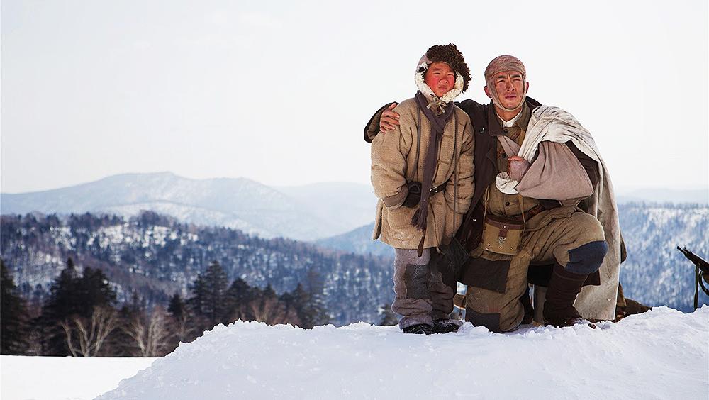 Bộ phim kể về mùa đông năm 1947, phân đội 203 thuộc liên quân Dân chủ Đông Bắc dưới sự chỉ huy của Thiếu Kiếm Ba, tiếp nhận mệnh lệnh bảo vệ an toàn cho dân chúng khỏi nạn cướp bóc hoành hành trên cánh đồng tuyết Lâm Hải.