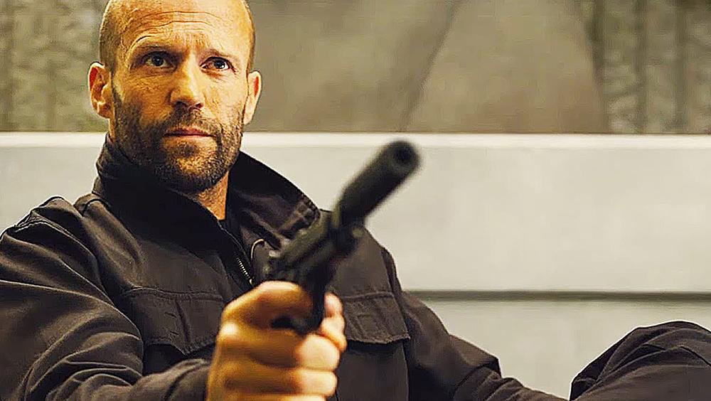Trong phim, Statham vào vai Arthur Bishop, một sát thủ chuyên nghiệp.