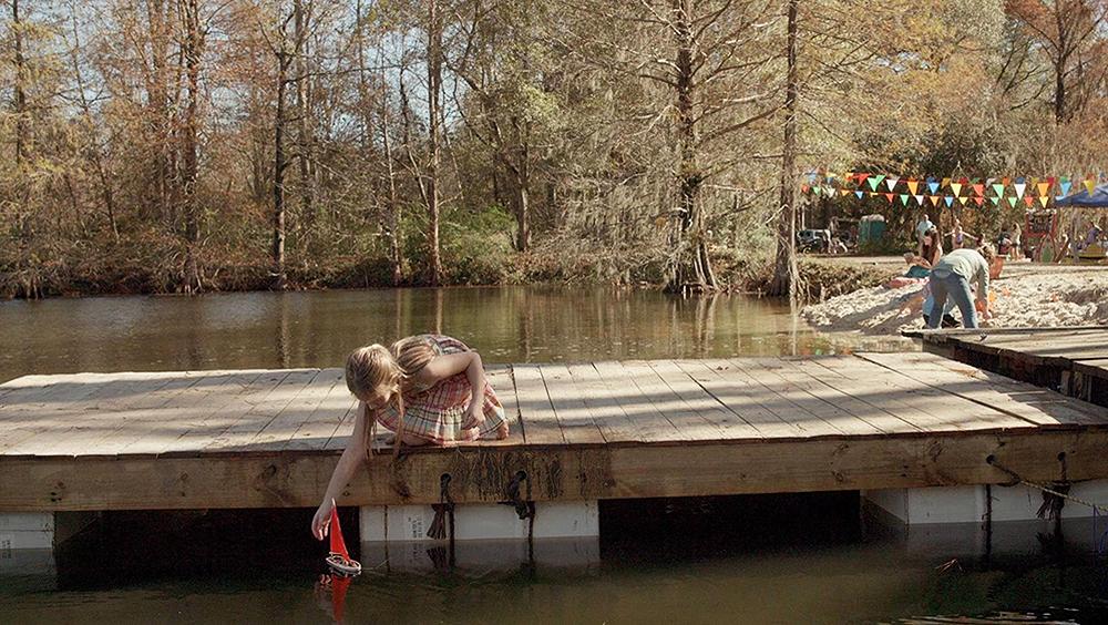 Một phân cảnh khác trong phim ''Cá Mập Tấn Công''.