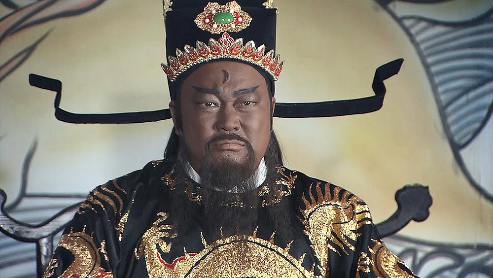 Bao Chửng xử án thiết diện vô tư, không sợ cường quyền ác bá, cả hoàng thân quốc thích hoặc quan lớn, quý nhân phạm tội, cũng không thoát khỏi vương pháp.