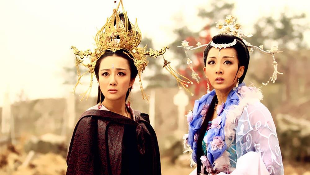 Dù cho có tình cảm với Tử Kiến nhưng vì bị rơi vào bẫy của Quách Tiếu, Chân Mật đành xuất giá làm vợ Tử Hoàng.