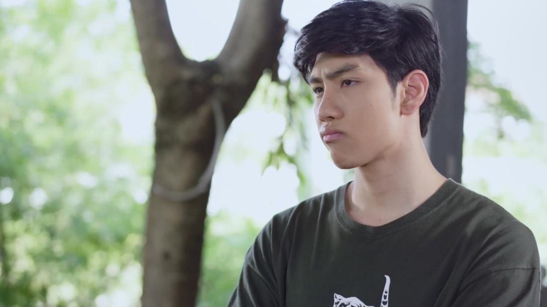Anh tràng Nawut là bạn thân của Wan và anh từ bé đến lớn đều đi theo và bảo vệ cô như một người anh trai.