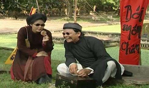 Hai diễn viên trong Bói Ông Bói Bà