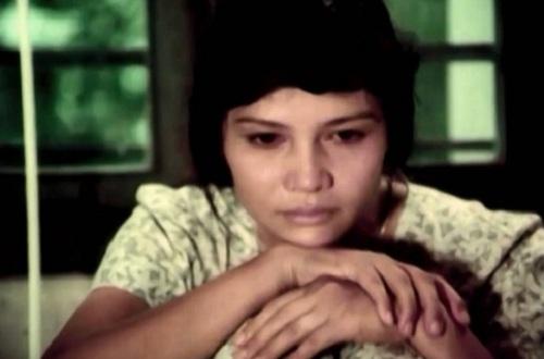 rong một đêm náo loạn bởi cuộc truy lùng ráo riết của Ngụy quân, cô gái giang hồ Nguyệt đã cứu thoát một người đàn ông.