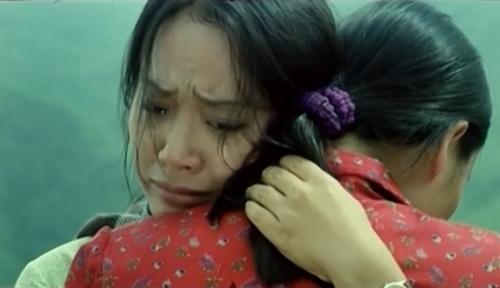 ''Thung Lũng Hoang Vắng'' tựa như một bài thơ về sự hy sinh những người thầy cô mang con chữ đến cho trẻ em vùng cao.