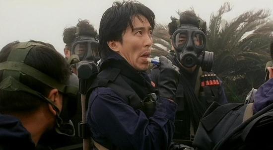 Châu Tinh Tinh là một cảnh sát năng nổ nhưng không có khả năng phối hợp với đồng đội nên không được cấp trên trọng dụng.