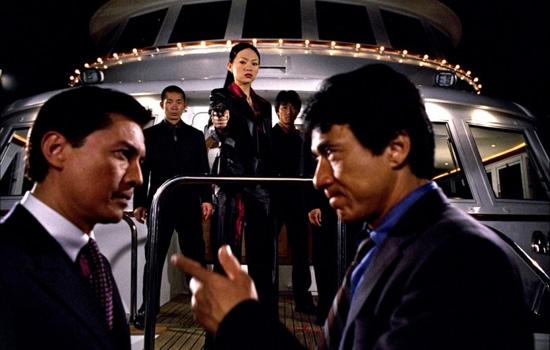 Thủ lĩnh xã hội đen Steven Reigh và Ricky Tan hoá ra lại có dính líu tới cái chết của cha ruột Lee.