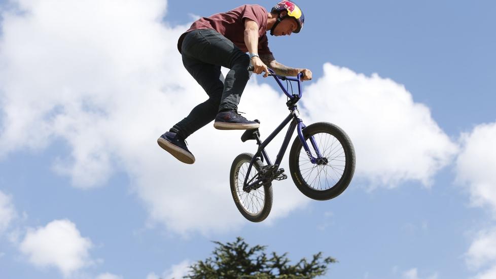 Kỹ Thuật Biểu Diễn Xe Đạp BMX