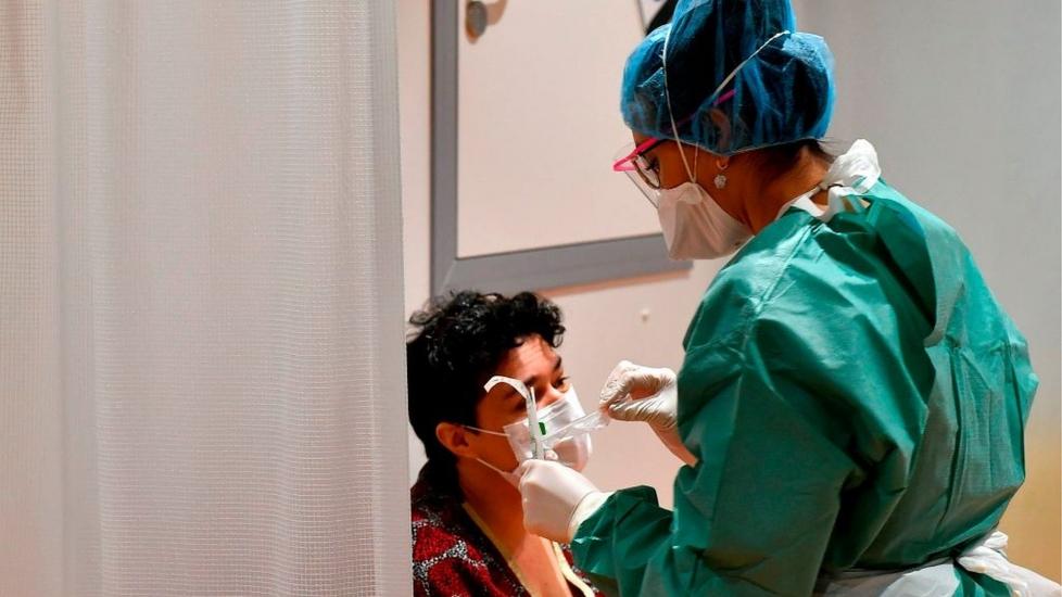 Ý: Bác Sĩ Kiệt Sức, Quan Tài Xếp Hàng Dài Chờ Được Hỏa Táng