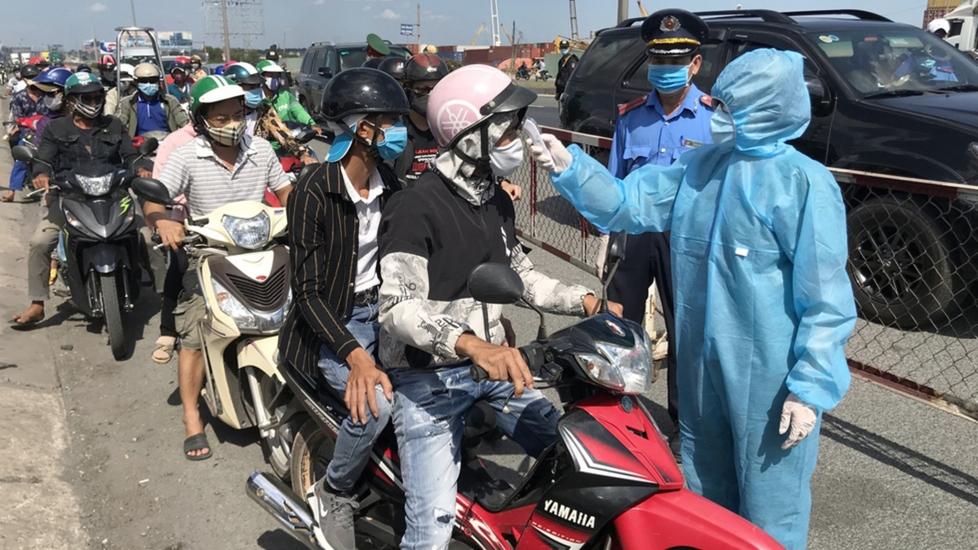 TP.HCM Lập Chốt, Trạm Kiểm Dịch Không Phải Để 'Ngăn Sông Cấm Chợ'