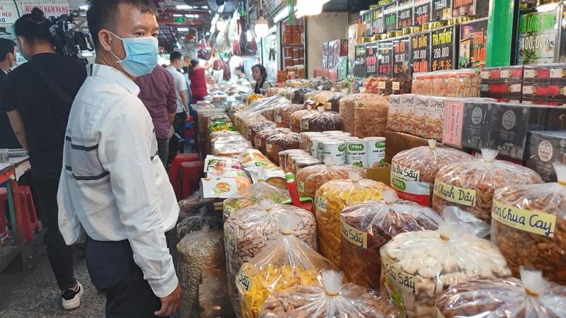 Cẩn Thận Với Bánh, Mứt Tết '3 Không' Bán Ngập Các Chợ